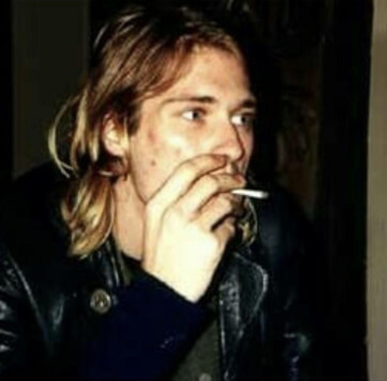 Pin On Kurt Cobain [ 1221 x 1242 Pixel ]