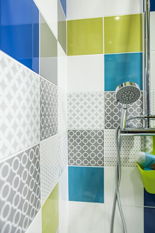 Salle De Bains Multicolore Carrelage Salle De Bain Idee Salle De Bain Salle De Bains Adolescent