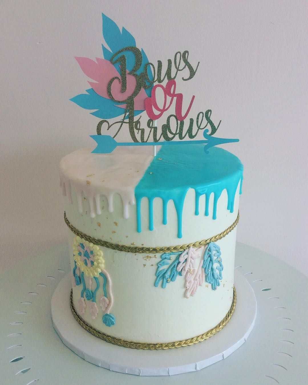 Bows Or Arrows How Perfect Of A Gender Reveal Cake Madefromscratch Bakery Beachesdessertplace Gender Reveal Cake Gender Reveal Gender Reveal Party Theme