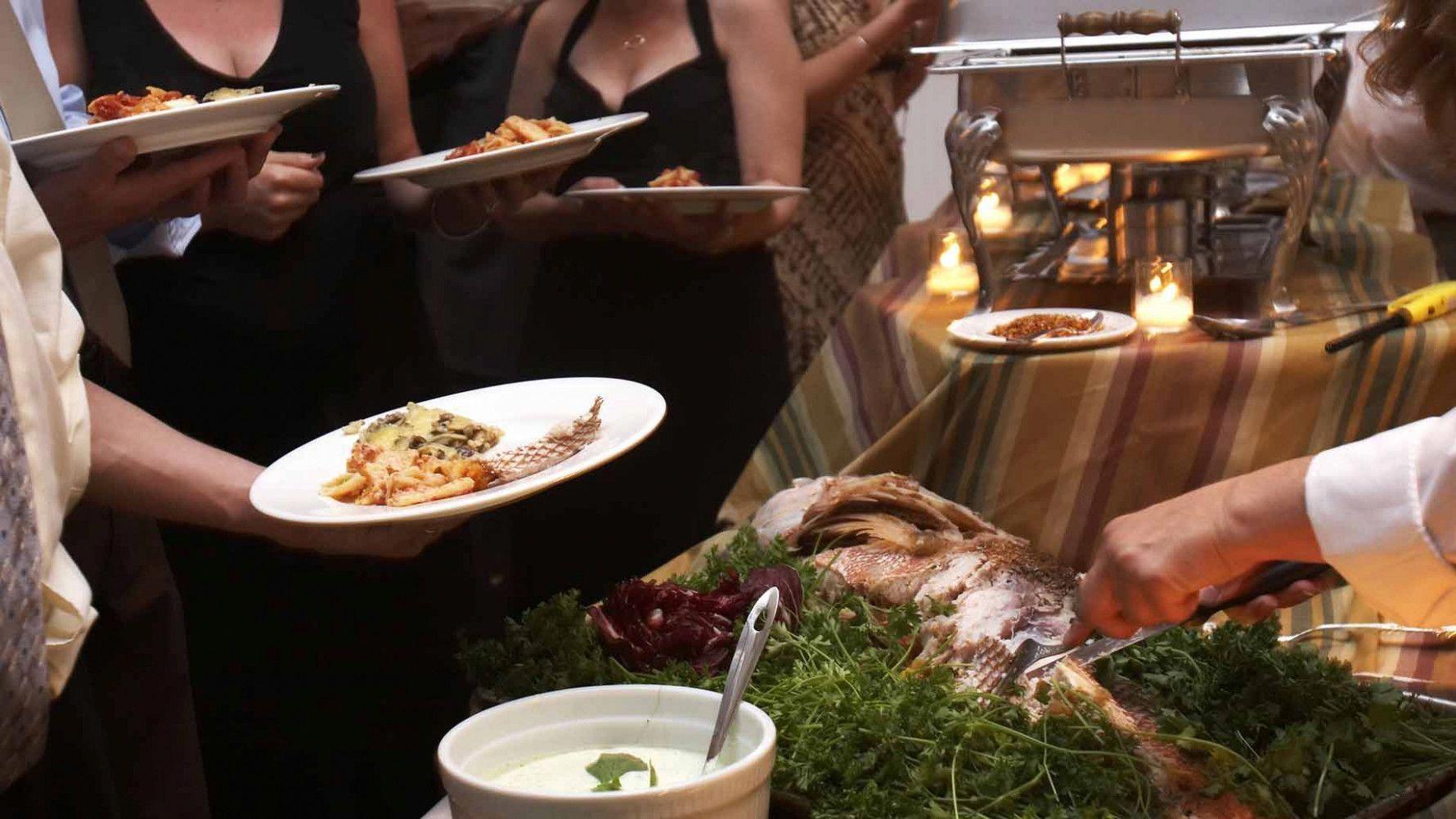 11 Cheap Wedding Reception Food Drink Menu Ideas On A Budget