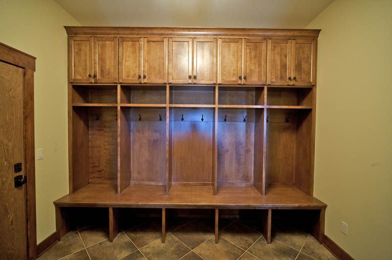 Mudroom Bench With Storage Cubbies