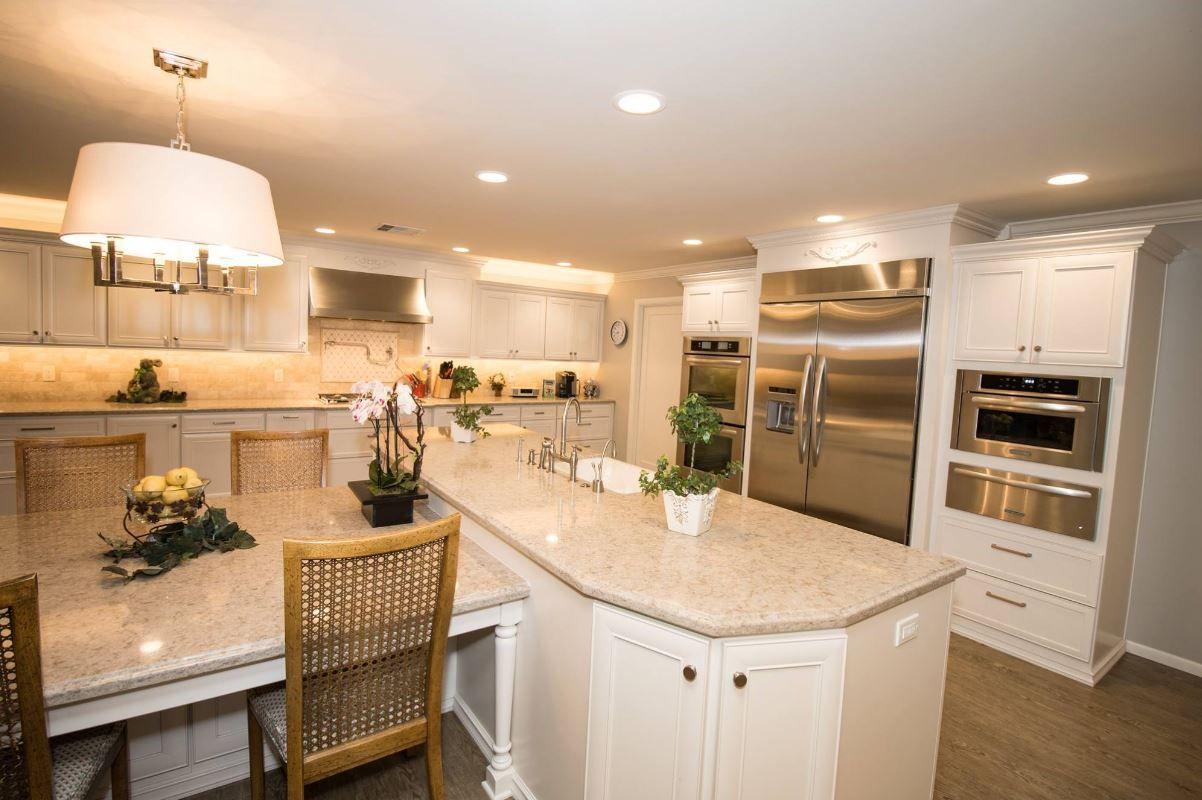 Starmark Marshmallow Cream With Stainless Steel Appliances Kitchen Cabinets In Bathroom Kitchen Kraftmaid Cabinets