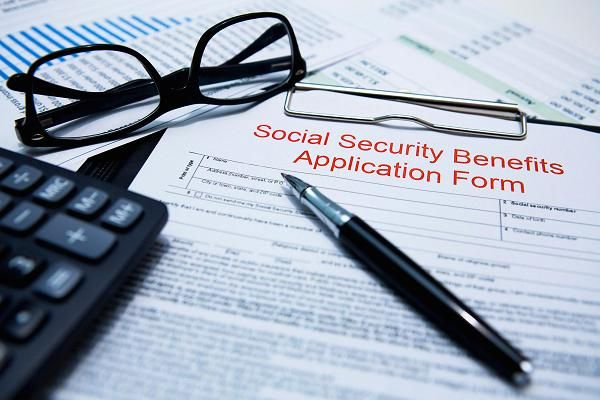 Read this before you take Social Security benefits - social security application form