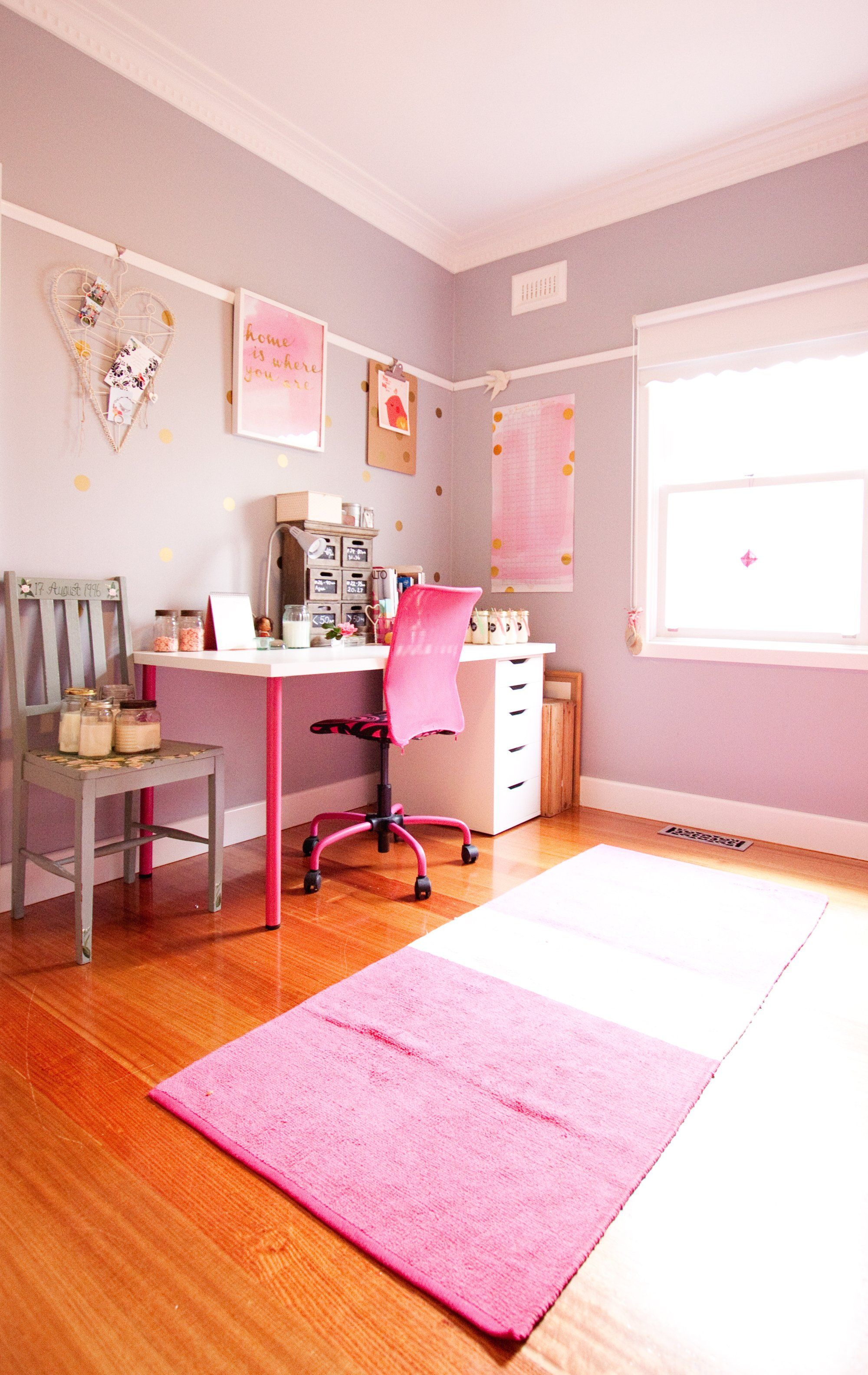 Paint colors that match this Apartment Therapy photo: SW 6312 Redbud ...
