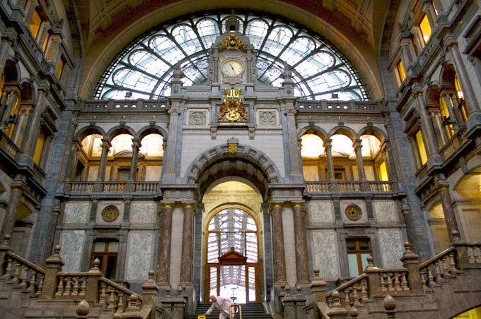 Trainstation of Antwerp. Amazing. #belgium #travel @_thisisantwerp_ @fansofflanders