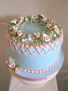 vintage style birthday cake, LOVE!