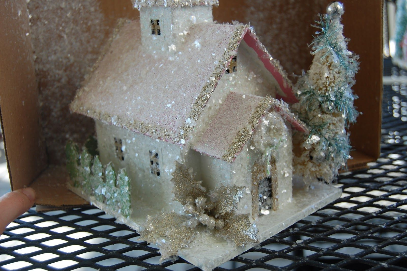 Natalie Loves...: Do-it-yourself glittered Christmas houses | Putz ...
