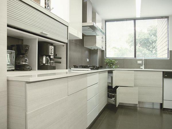Cocina teka rtico remodelaci n bosques de vizcaya on for Remodelacion de cocinas pequenas