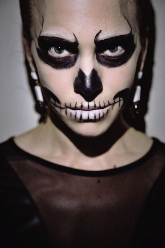 A Step By Step Guide To Totally Doable Glam Skeleton Halloween