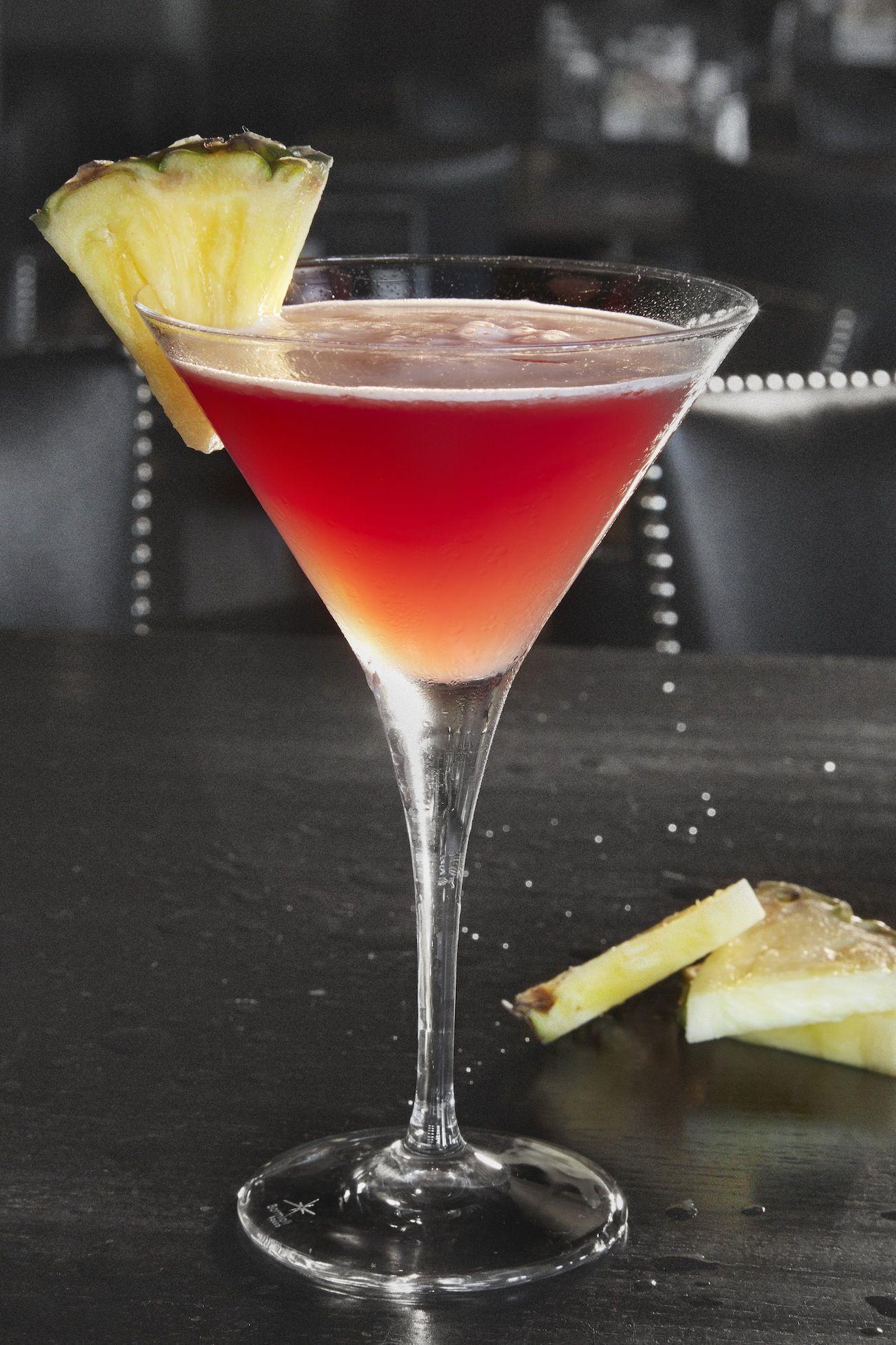 Dad S Bar Louie Diva Martini In 2020 Pineapple Vodka Martini Martini Shaker