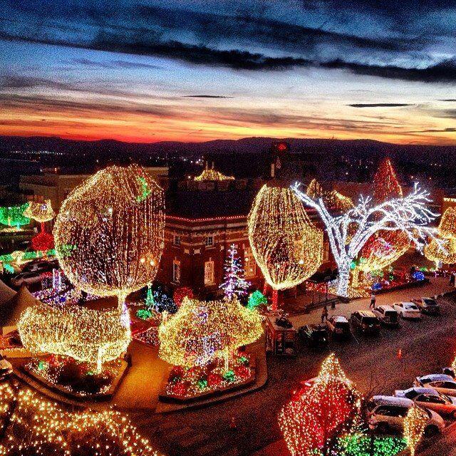 Fayetteville Ar Square Lights Of The Ozarks Arkansas