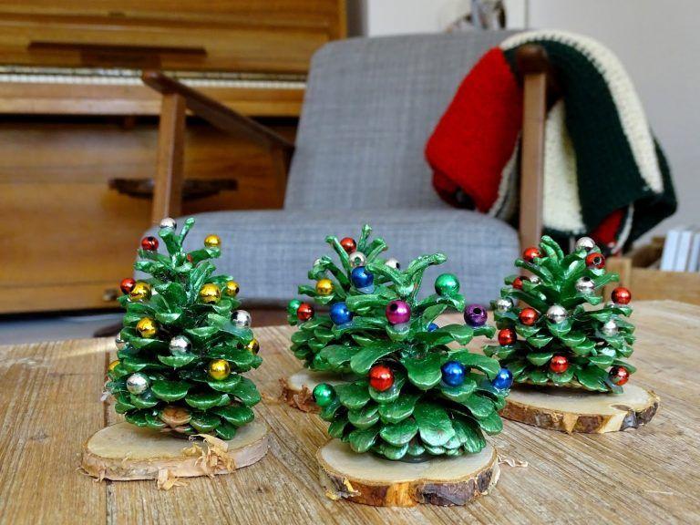 Tannenbäume aus Zapfen (Kiefer) #weihnachtenbastelnmitkindern