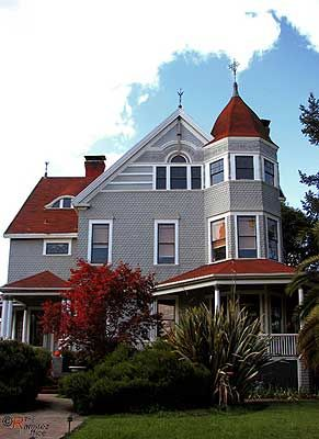 Pin By Nancy Stern On Victorian Queen Anne Vintage House Petaluma Architecture House