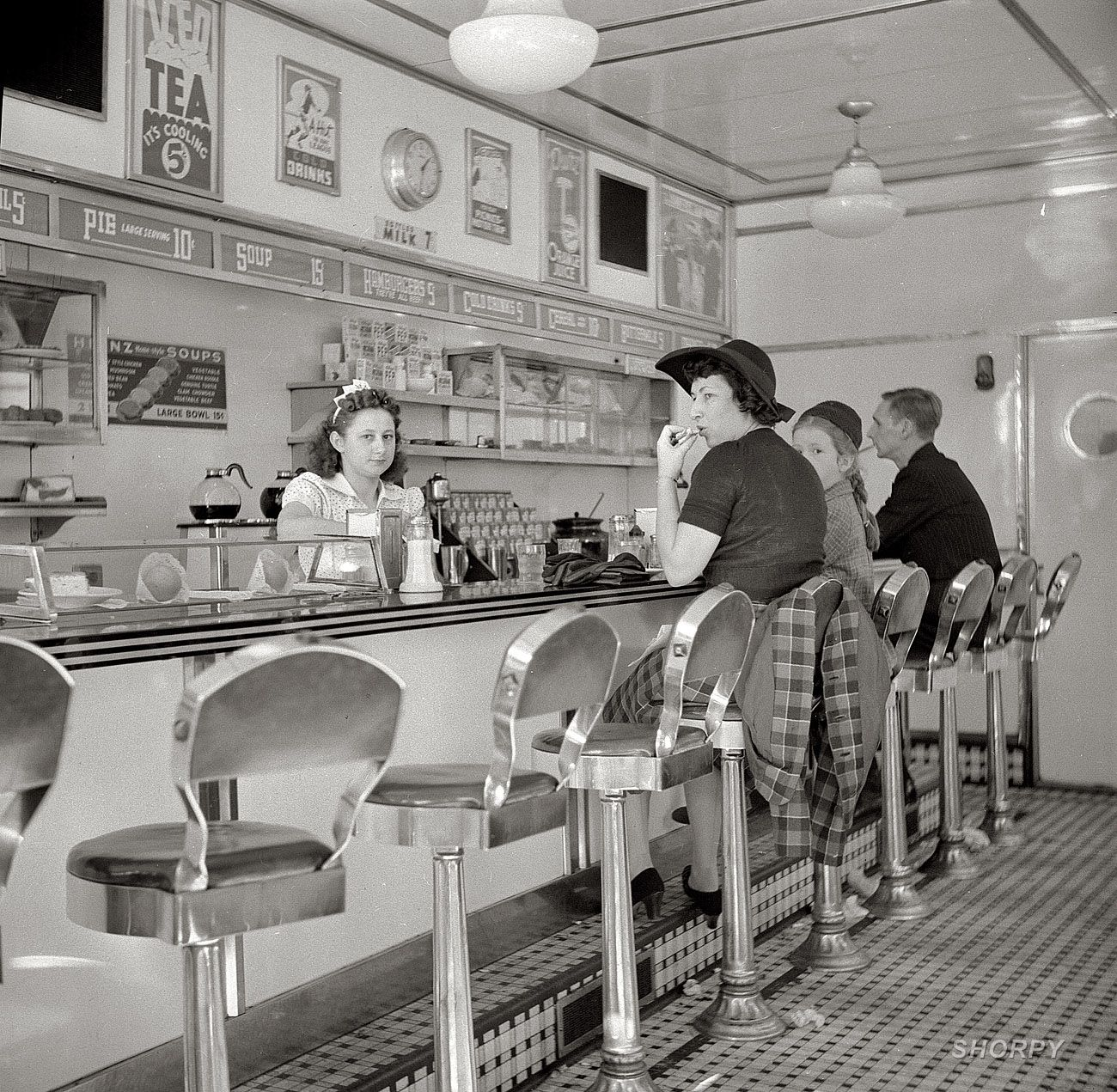 """October 1941. """"White Tower hamburger stand, the popular place in Amsterdam, New York."""" Photo by John Collier."""