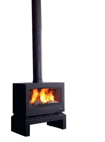 Quel poêle ou cheminée pour un salon design ? | Metal fireplace, Cast iron fireplace, Fireplace ...