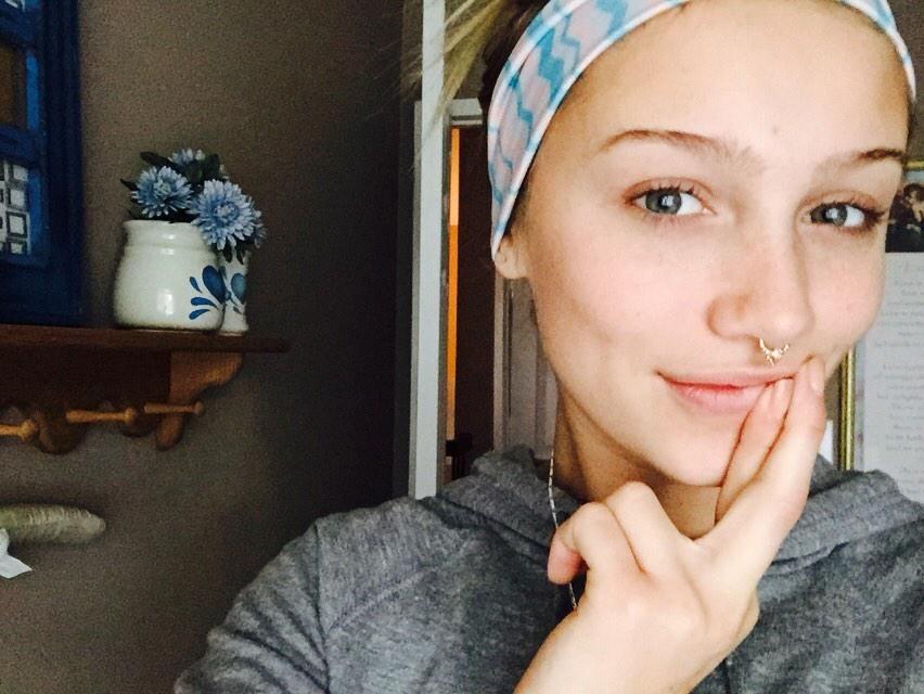 Cailin russo septum piercing girl crush pinterest cailin russo septum and piercing - Lippenpiercing ring ...