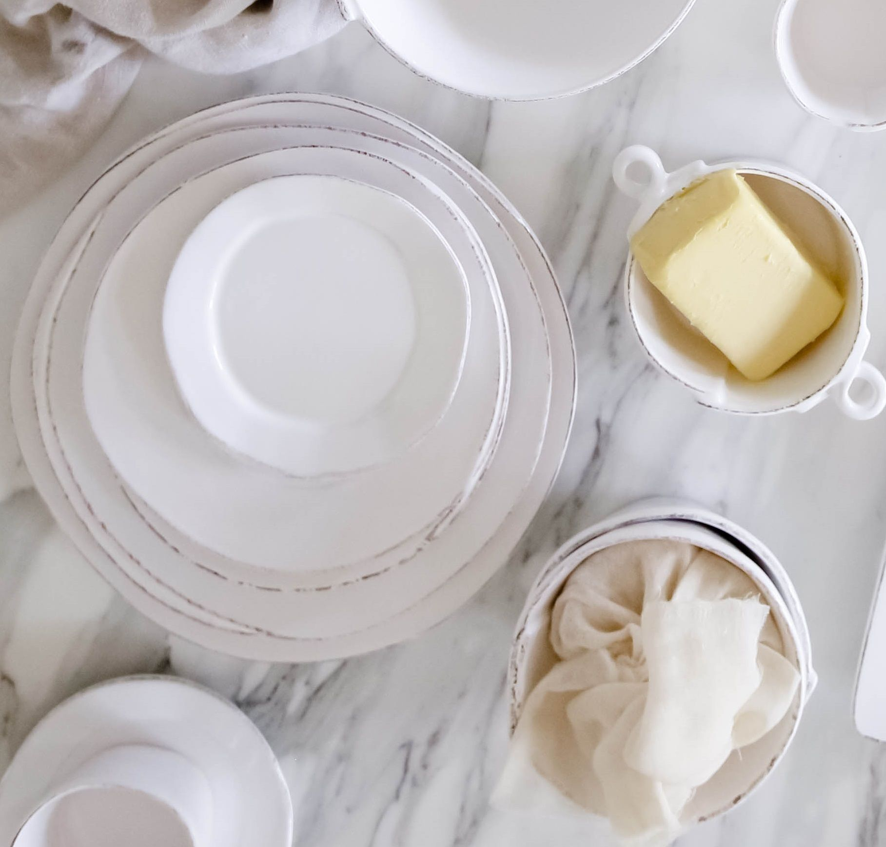 Unique White Dinnerware Made In Italy Italian Ceramics Beautiful Place Settings Plates And Bowls White Dinnerware Ceramic Tableware Dinnerware