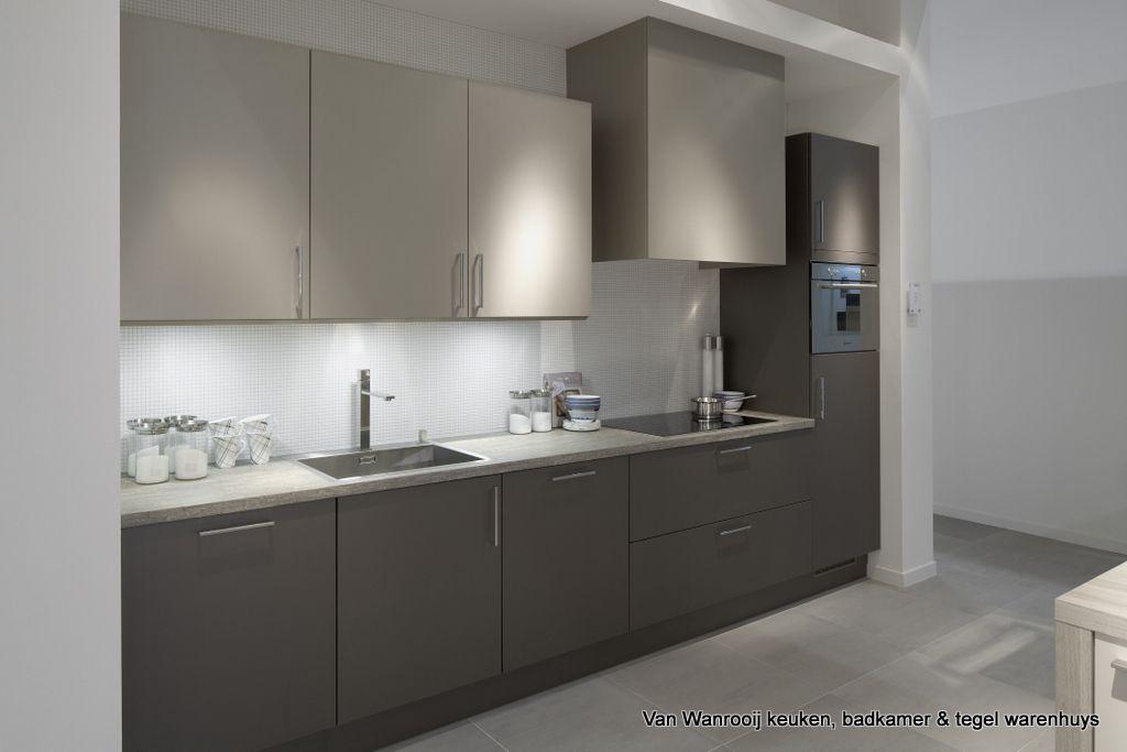 Moderne keuken uit de WHuyscollectie van Van Wanrooij keuken ...