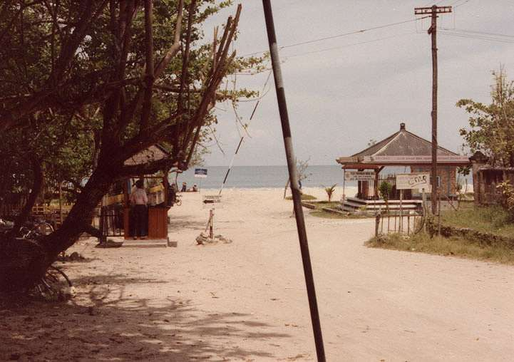 Pantai Kuta Bali tempo dulu sekitar tahun 1975