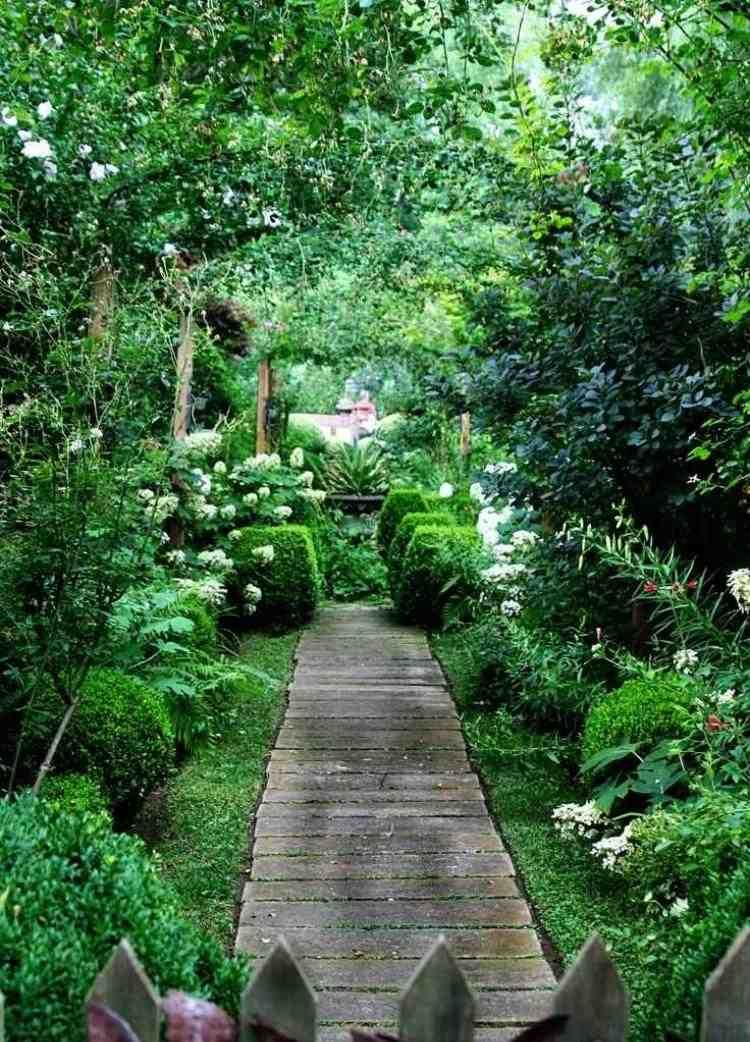 Allées de jardin en bois pour être plus proche de la nature ...