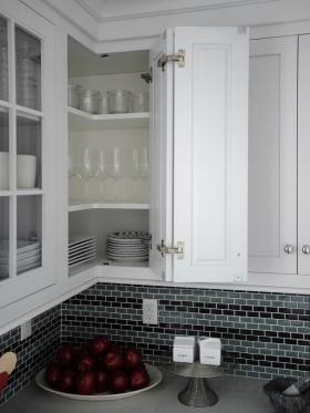 Easy Reach Upper Corner Cabinet Photo