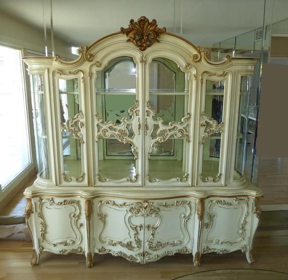 Vintage Ornate Rococo French Provincial White Curio China Etsy Vintage Furniture Makeover French Style Furniture Furniture