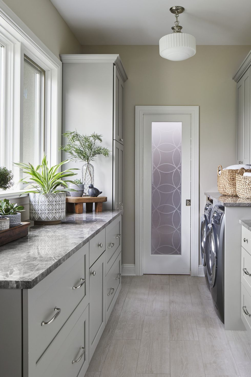 Gorgeous Laundry Rooms That Will Make You Actually Want to Do Chores images