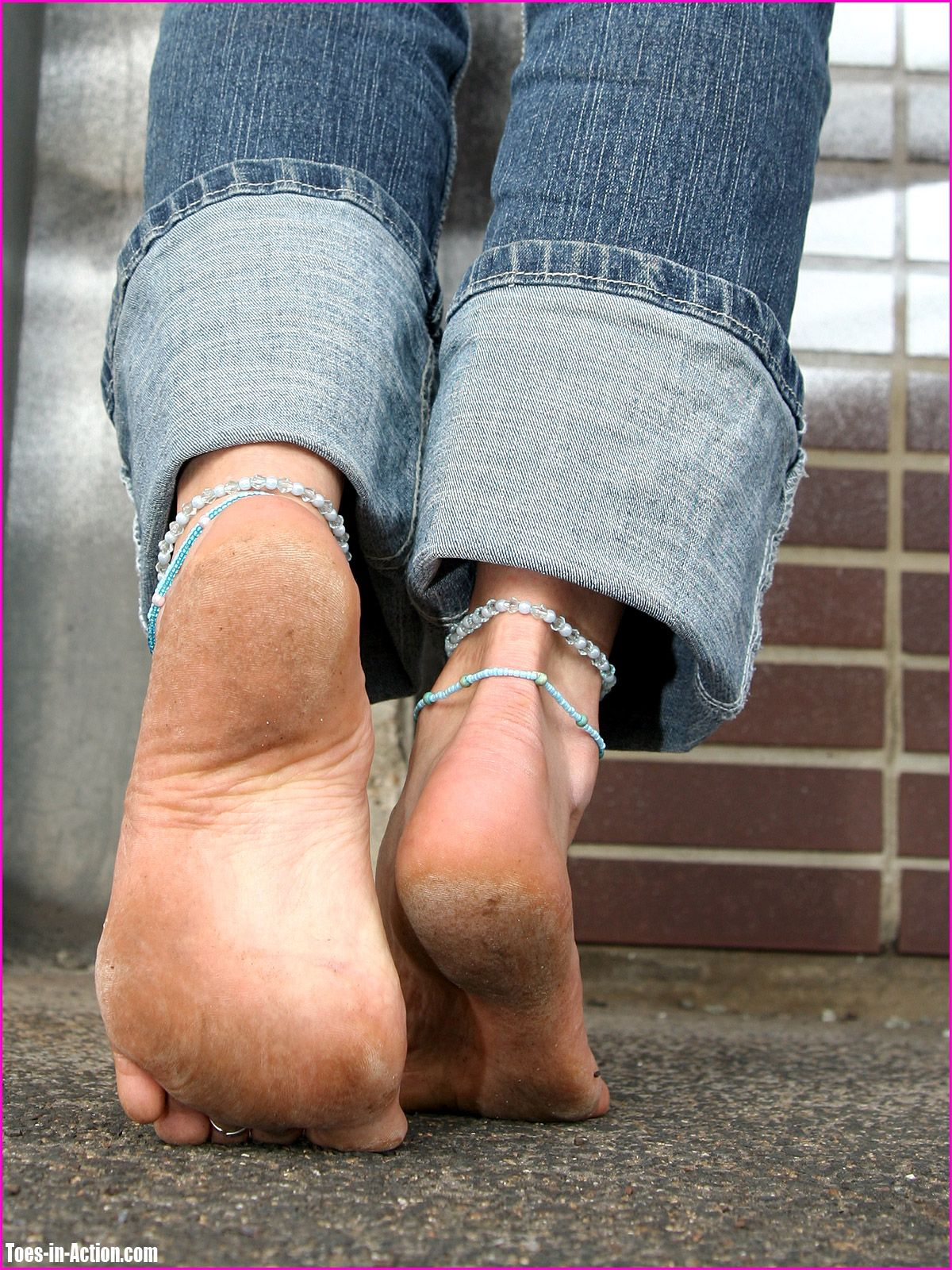 sexy dirty bare feet with calloused soles!!! | sexy barefoot females