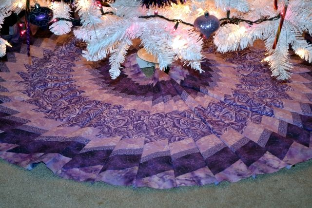 Purple Christmas Tree Skirt.Great Christmas Tree Tour Brenda Mazur S Amazing Quilted