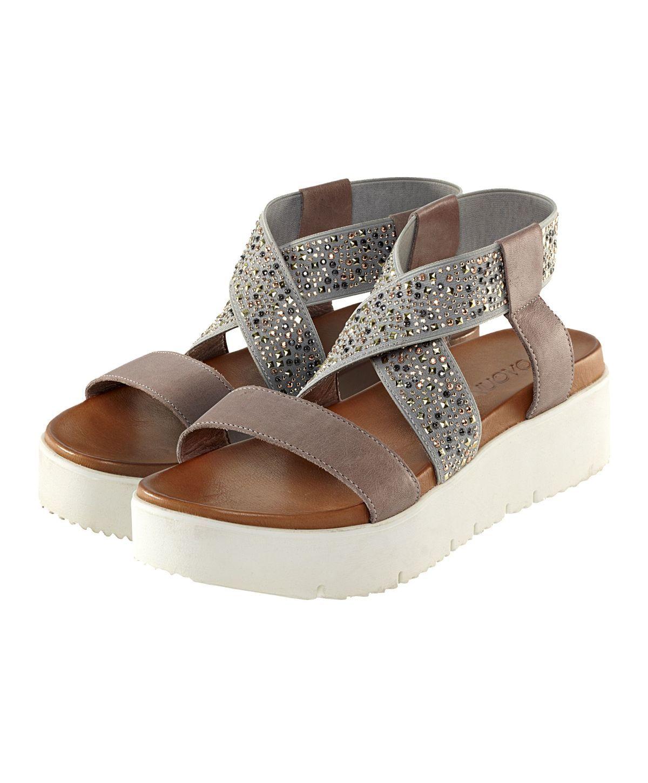 Sandale, Materialmix, Nieten, elastische Einsätze, weiße