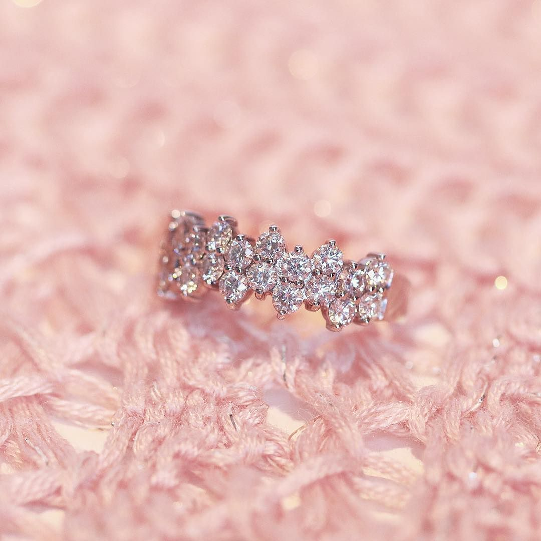 Let is sparkle! A ring that shines naturally will always put you in ...
