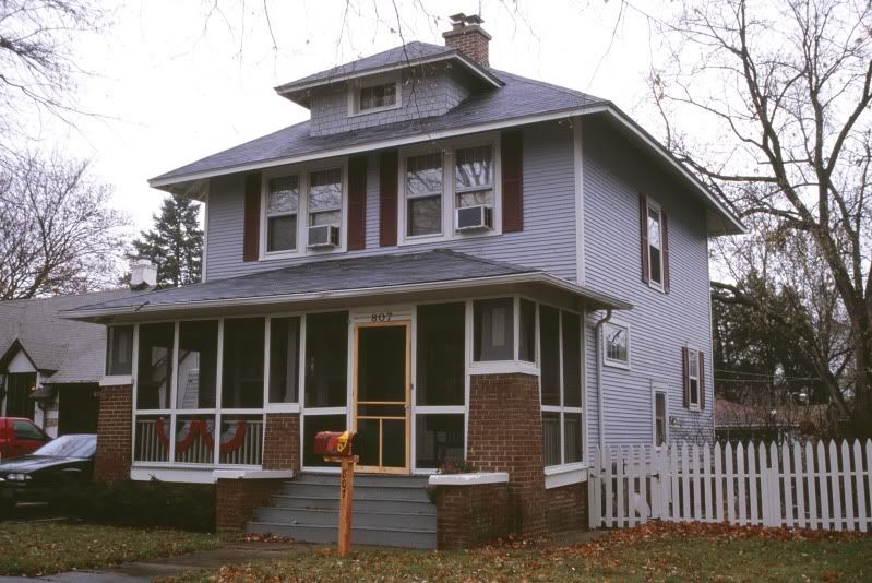 This Sears Kit The Fullerton Is In Aurora Illinois Craftsman House Bungalow Homes Craftsman Style Bungalow