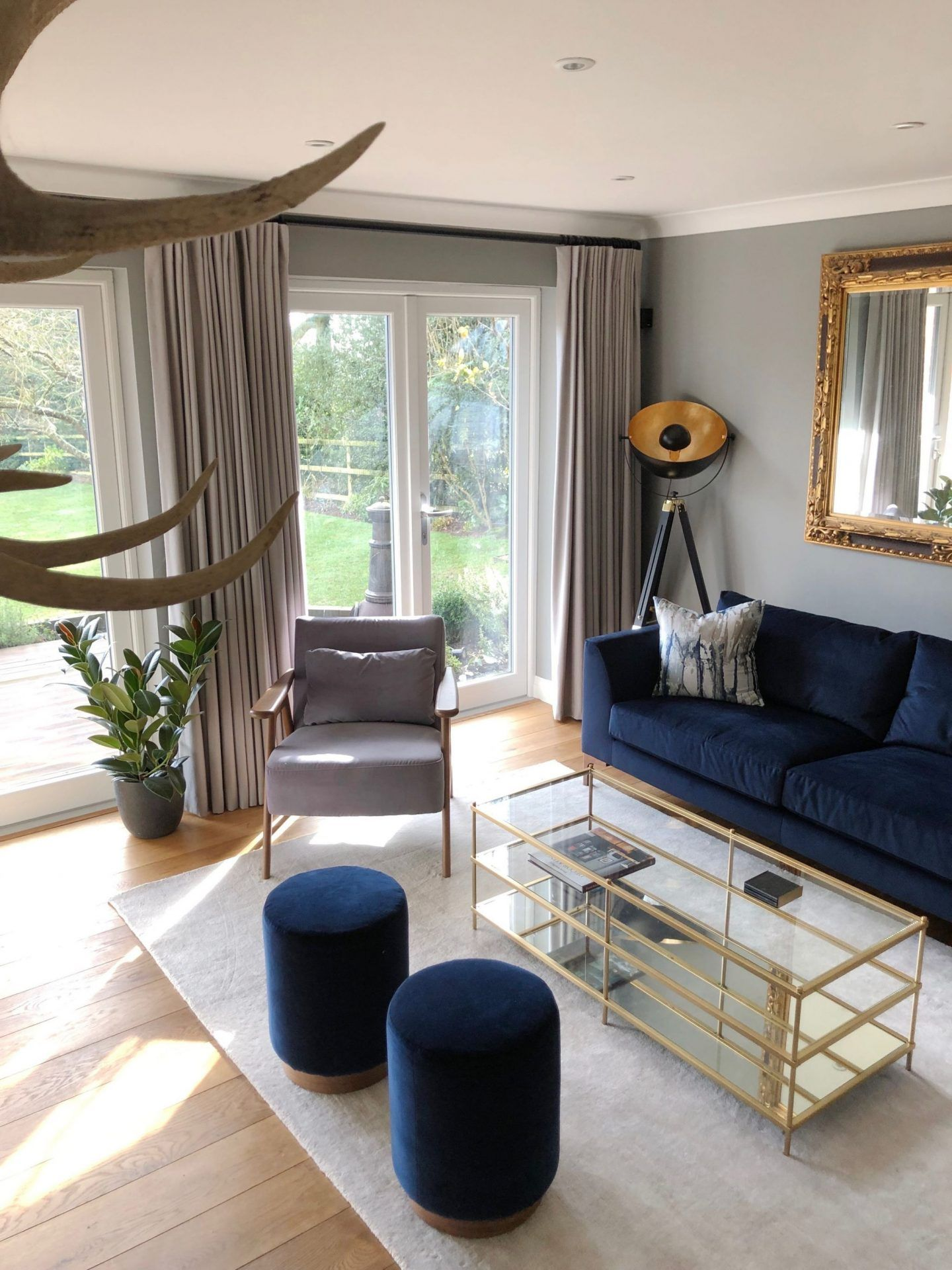 a formal lounge  just a little build  elegant living