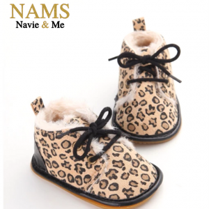 996b739f42b17 Cheetah print baby boots. Winter baby boots. Baby walking shoes.  boots   babyboutique  babywalkingshoes  winterboots  furboots