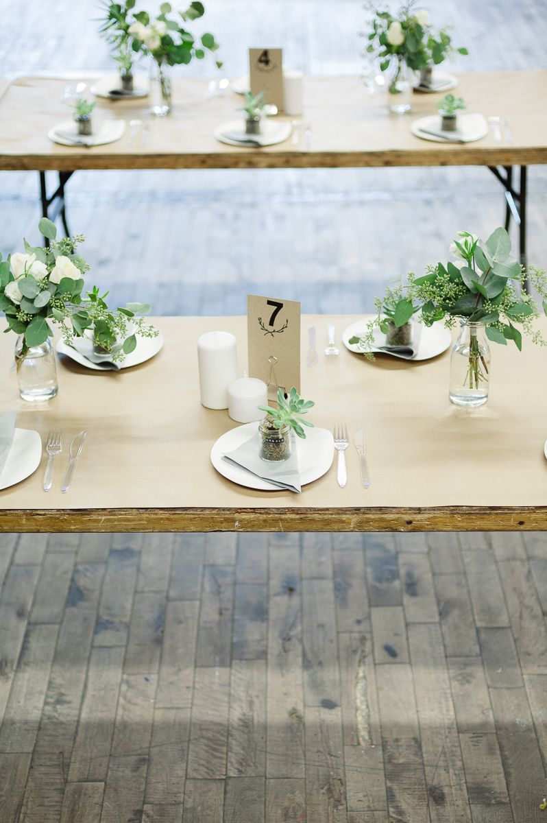 simple wedding wooden folding tables kraft paper as tablecloth