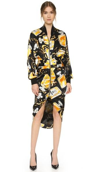 ¡Cómpralo ya!. Moschino Print Dress - Black Multi. Perfume bottle graphics bring bold, playful style to this Moschino dress. Shutter pleats accent the waist, and the slit skirt drapes to a tulip hem. Ribbed neckline and cuffs. Long sleeves. Exposed, 2 way zip. Lined. Fabric: Sateen. Shell: 100% silk. Lining: 94% rayon/6% elastane. Dry clean. Imported, Hungary. Measurements Length: 45.75in / 116cm, from shoulder Measurements from size 40. Available sizes: 36,40 , vestidoinformal, casual…