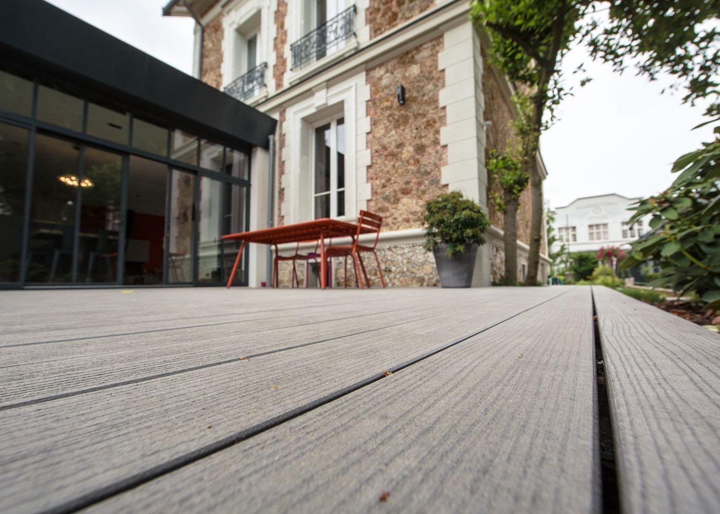 terrasse en bois composite en r gion parisienne par la parqueterie nouvelle terrasse bois. Black Bedroom Furniture Sets. Home Design Ideas