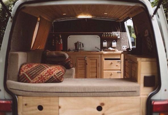 pingl par j r me bouquillon sur van pinterest fourgon camping car et camion amenager. Black Bedroom Furniture Sets. Home Design Ideas