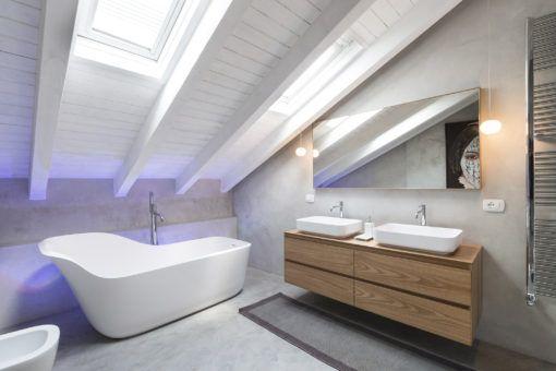 Led Bagno ~ In bagno dietro la vasca freestanding per creare un effetto