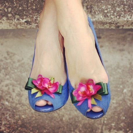 Orchid shoe clips