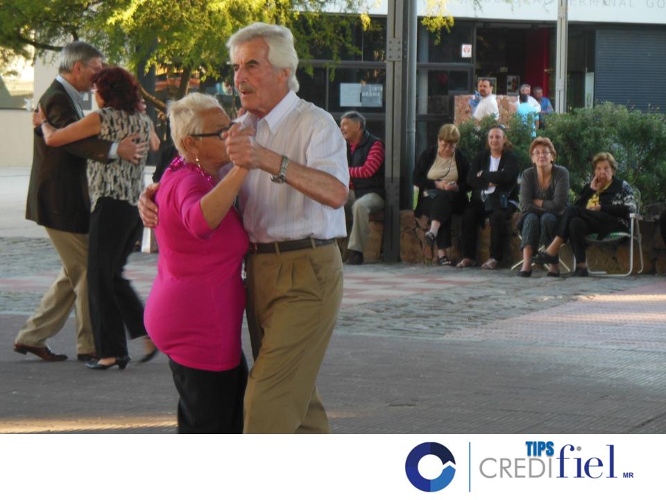 CRÉDITO PARA JUBILADOS. Bailar, es una de las formas más divertidas de realizar ejercicio. En Credifiel, le invitamos a invertir su crédito en clases de baile porque además de  activar su cuerpo, podrá hacer nuevas amistades con las cuales compartir y mejorar su estado de ánimo. #retiro