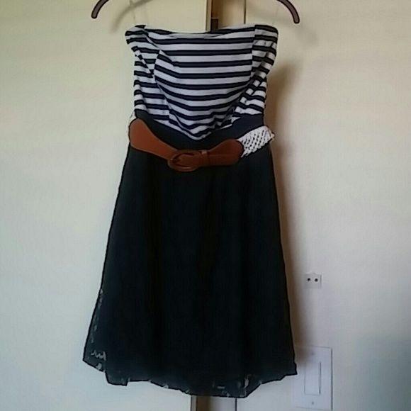 Strapless dress never worn Belt included Dresses Midi