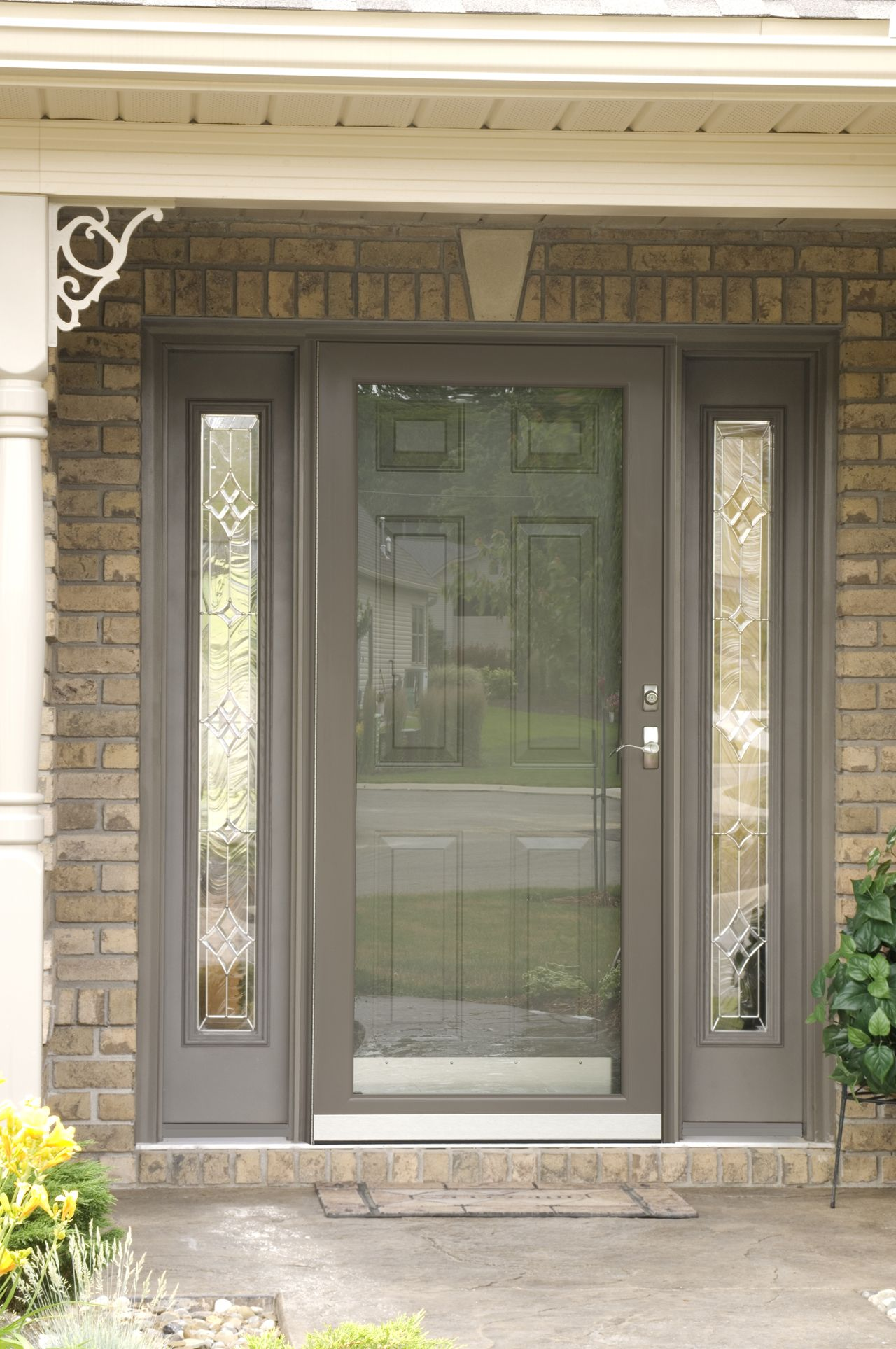 Superieur This Striking Decorator Storm Door By ProVia Is Highlighted By Decorative  Sidelites.
