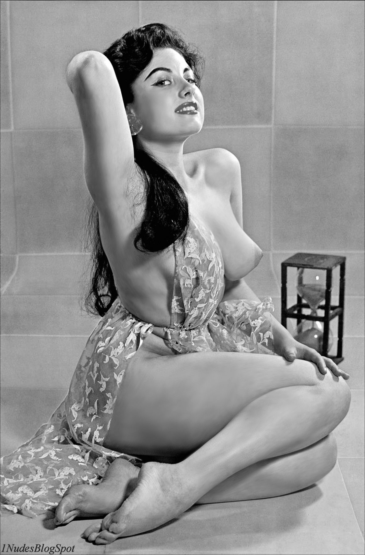 Nudes Of The 50S - 60S - 70S  Vintage Girls  Pin Up -7063