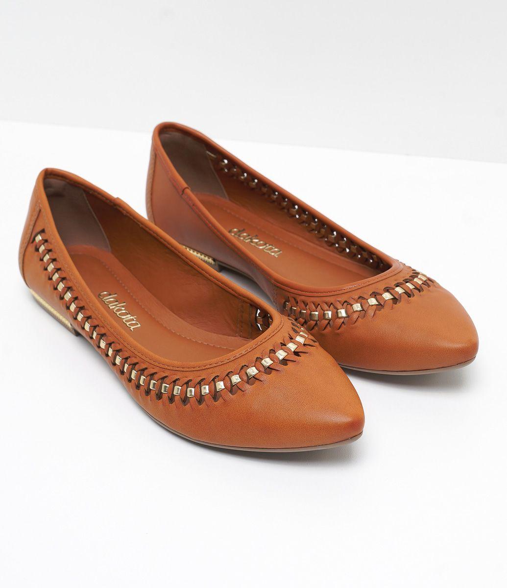 a7da3972a Sapatilha feminina Material: sintético Detalhe em tramado Bico fino Marca:  Dakota COLEÇÃO VERÃO 2017 Veja mais opções de sapatilhas femininas.