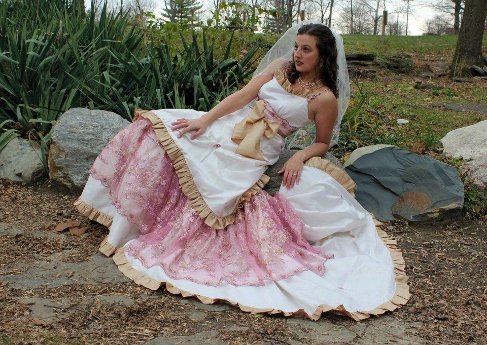 Such a pretty dress!!! Shabby Chic Country Western Barn Wedding Gown ...