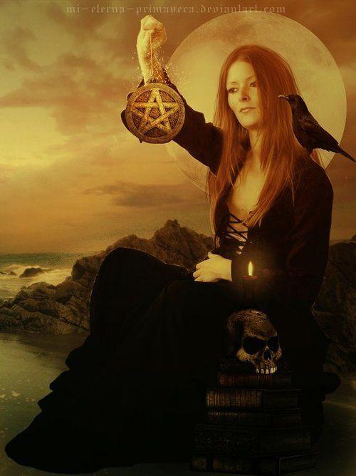 Witch's Ruin (Close-up) by Mi Eterna Primavera