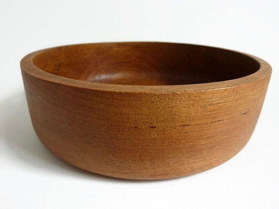 Modern klassiek vintage teak houten schaaltje. Notenschaaltje.