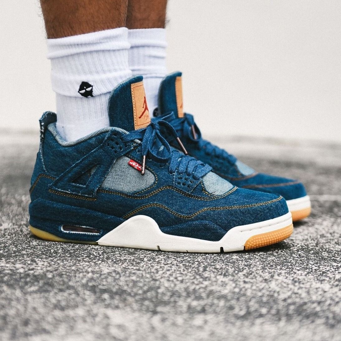 The Levis x Air Jordan 4 Retro Blue Denim by blog.sneakerando.com sneakers
