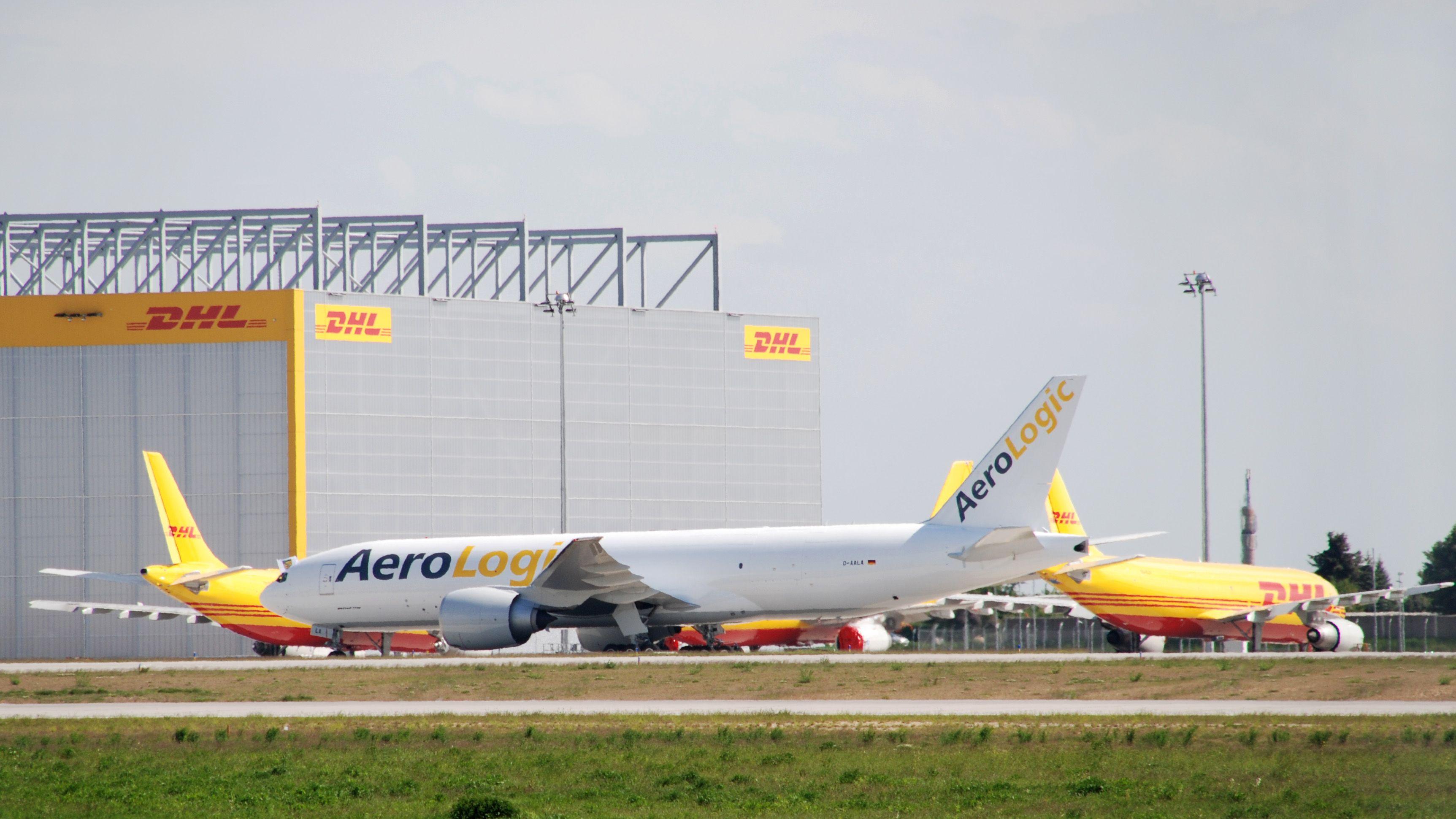 Boeing 777F Aerologic GmbH Downloads
